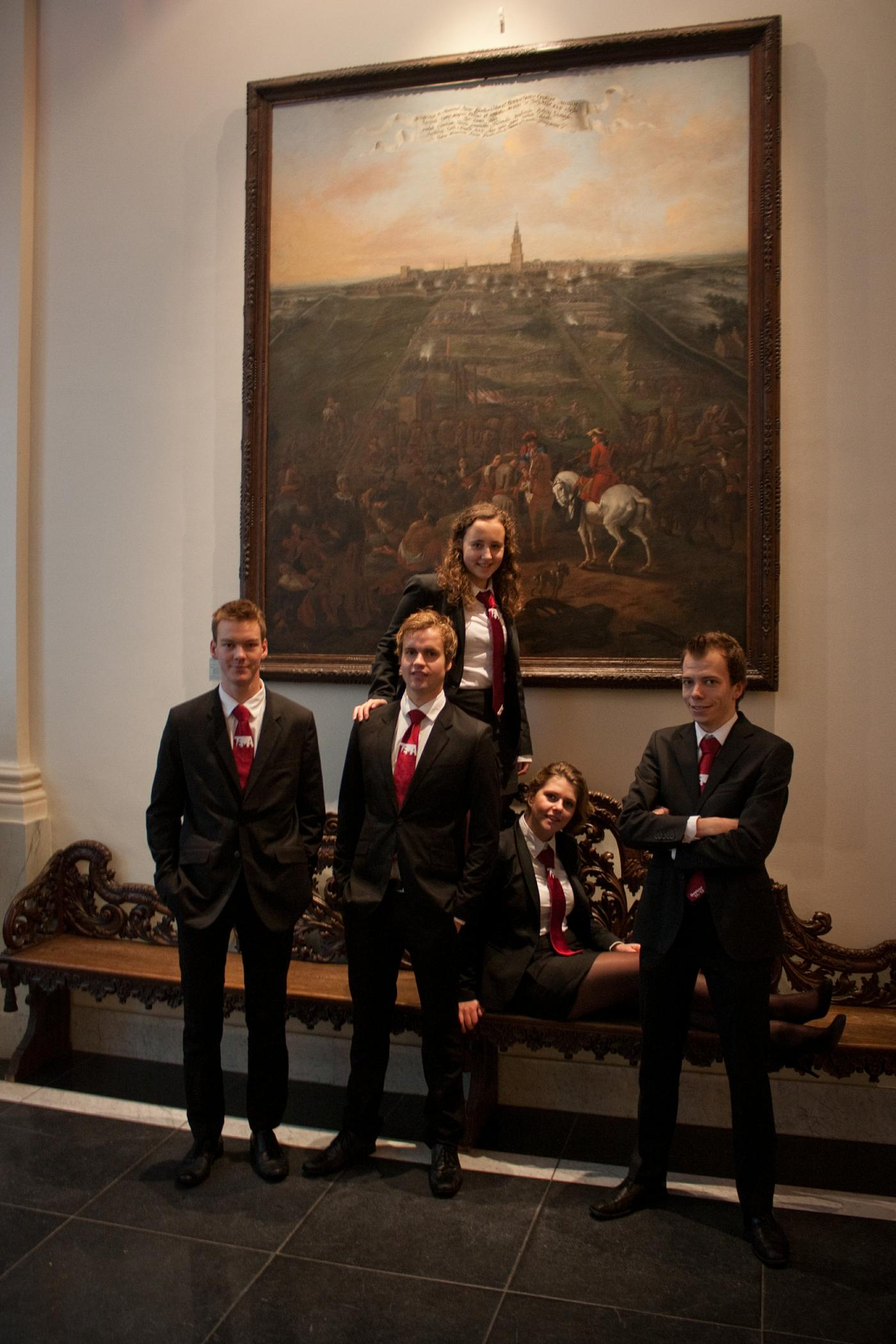 2.3.2._Oud_besturen_Bestuur_2011-2012.jpg